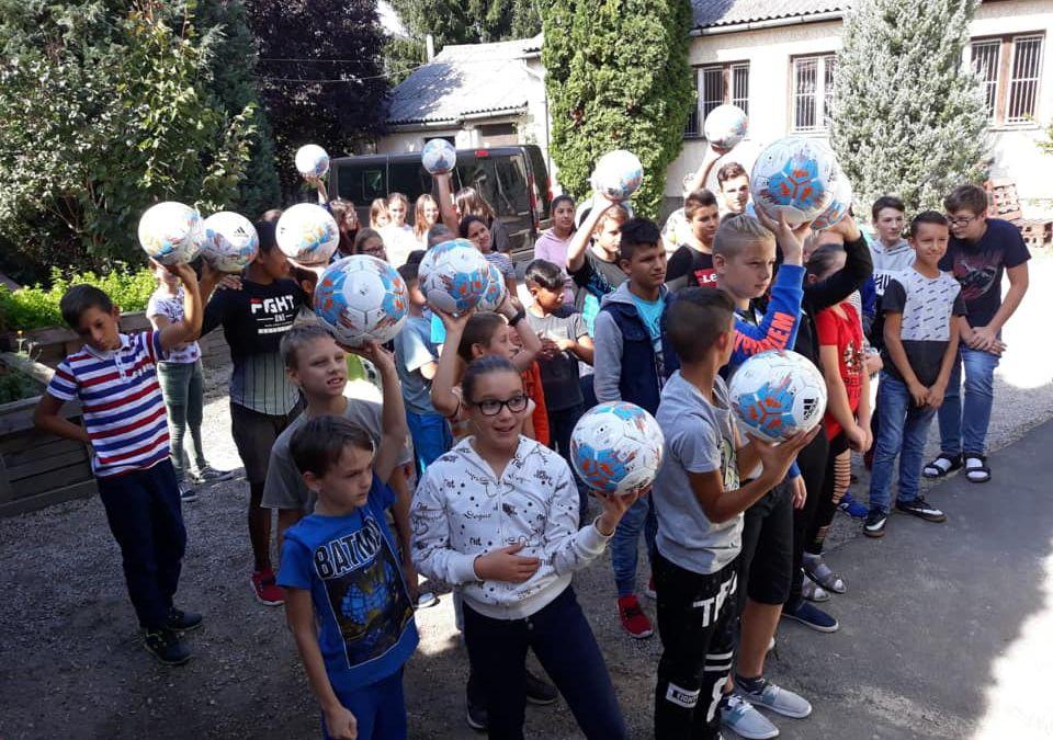 Kick for Help unterstützt Integrationsprojekt in ungarischer Volksschule