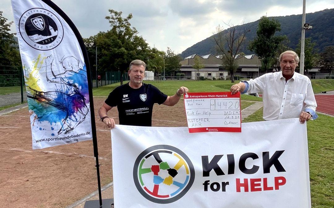 Benefizspiel erbrachte 4220 Euro für Flutopfer